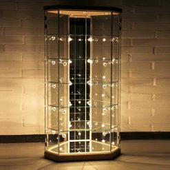 Standvitrine mit LED-Beleuchtung