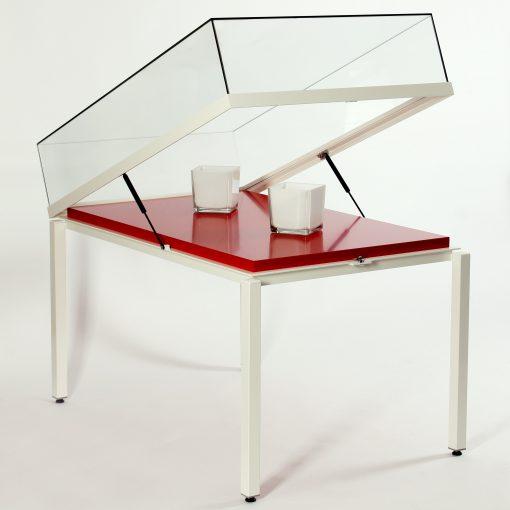 Tischvitrine mit aufklappbarer Glashaube